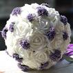 Bouquet da sposa bianco di che tiene un regalo di nozze bouquet pura simulazione manuale