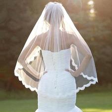 Velo da sposa con velo di pizzo a strato singolo con velo di pizzo corto a pettine