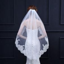 Velo da sposa corto in pizzo ricamato con squisito velo da sposa in pizzo corto