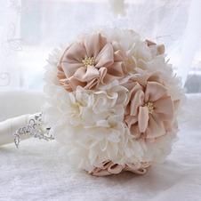 L'azienda di nozze matrimonio bouquet matrimonio all'aperto che tiene le modalità di matrimonio