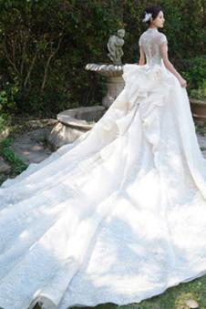 Abito da sposa Lusso A-Line Caduta Cascata Volant Cerniera Corpetto ingioiellato