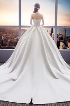 Abito da sposa senza spalline Senza Maniche Super Satin Festoni Treno reale