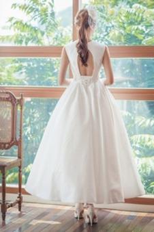 Abito da sposa Non Specificato Naturale Raso Scollo a v V Bow accentati