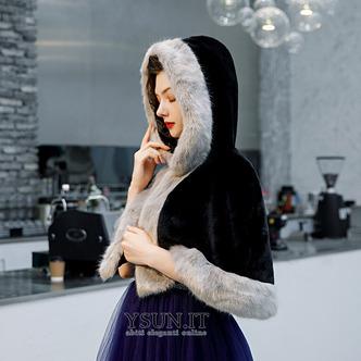 Scialle nero per mantello da sposa - Pagina 1